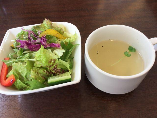 「フルーツキッチンほのか」ランチ、サラダとスープ