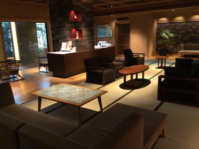 「神戸ベイシェラトンホテル&タワーズ」神戸六甲温泉「濱泉」の湯上りラウンジ