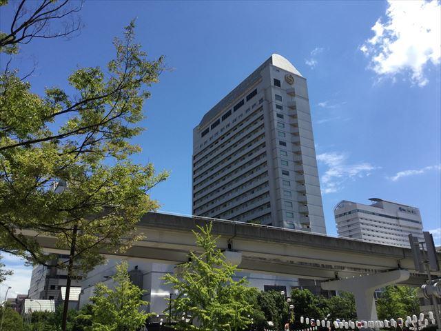 「神戸ベイシェラトンホテル&タワーズ」と六甲ライナー