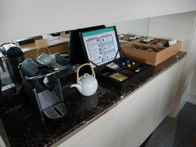 「神戸ベイシェラトンホテル&タワーズ」ジュニアスイート、お茶や紅茶、コーヒーなど