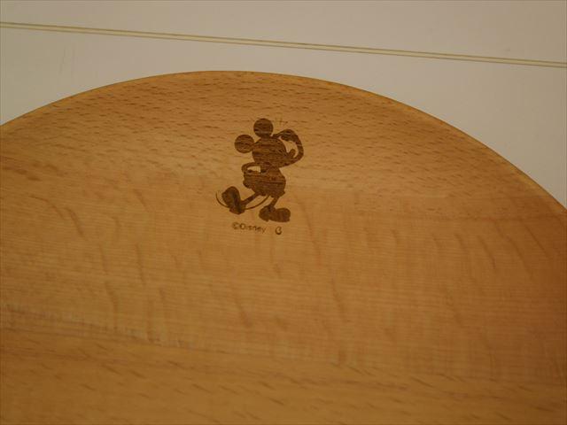 ベルメゾンのディズニー木製お皿