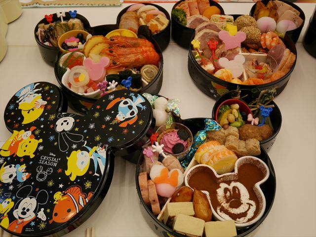 ディズニーおせち2017「ミッキー三段重」(クリスタルシーズン)おせち料理の中身