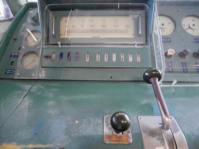 京都鉄道博物館」展示、0系新幹線運転席のスピードメーター