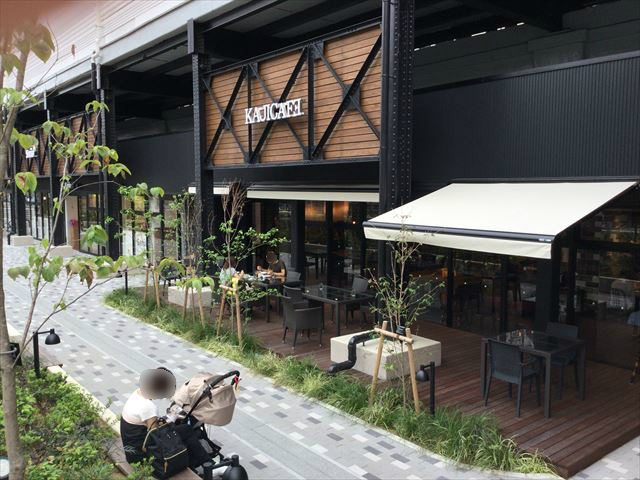 ビエラ桃谷「カジカフェ」入口