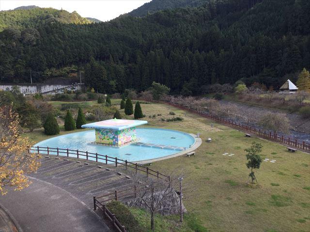「平成榛原子供のもり公園」水遊びエリア