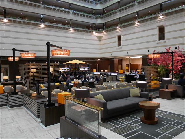 京都ブライトンホテルのラウンジバー「クー・オ・ミディ」