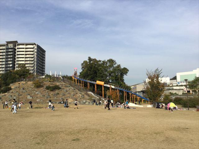 彩都西公園のローラー滑り台、全体図