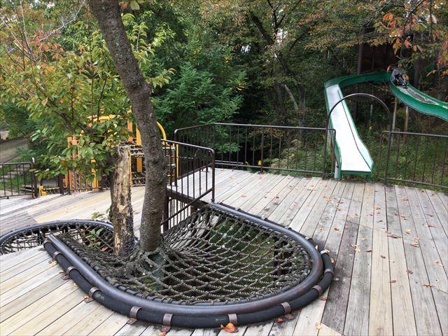 千里東町公園のアスレチック風遊具
