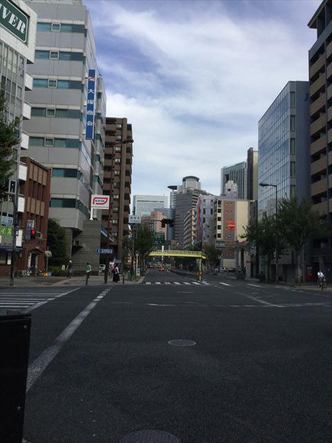交差点「福島6」から東側大阪方面を見た写真