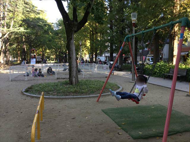 靫公園の遊具エリア、全体の様子