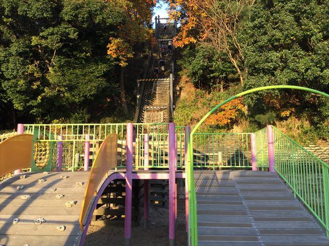 神戸総合運動公園「冒険のくに」アスレチック遊具