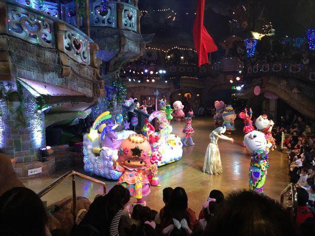サンリオピューロランド「ミラクルギフトパレード」キャラクター全員でダンス