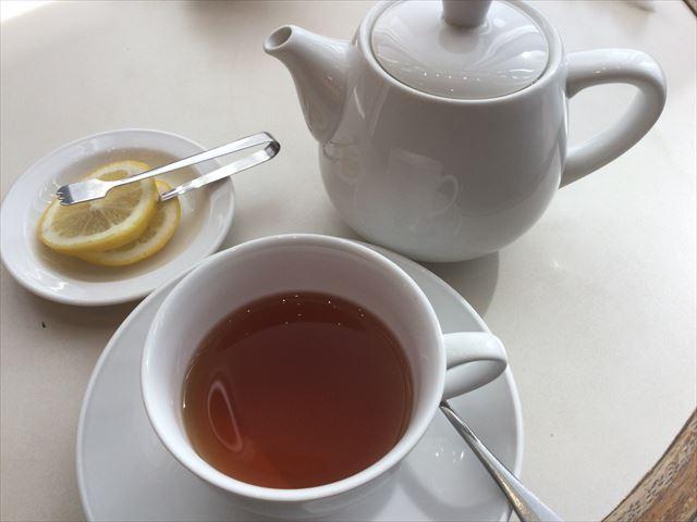 大丸梅田「カフェラ」ダージリン紅茶