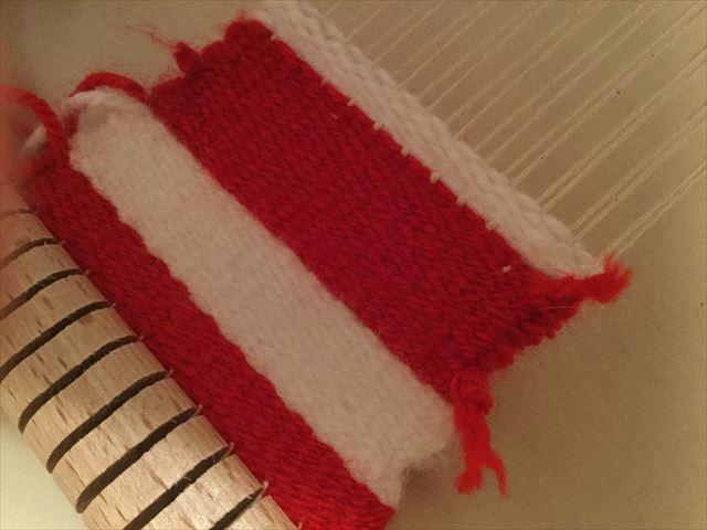 ニック社の機織り機「イネス(Ines)」で織った毛糸