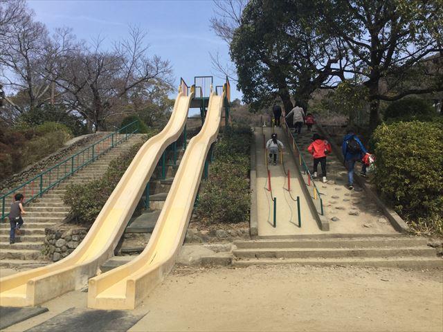 大阪府池田市「五月山公園」ロング滑り台