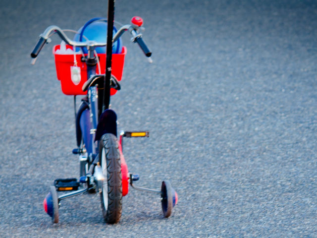 子供用自転車、補助輪付き