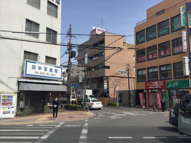 阪急池田駅前、田中写真館