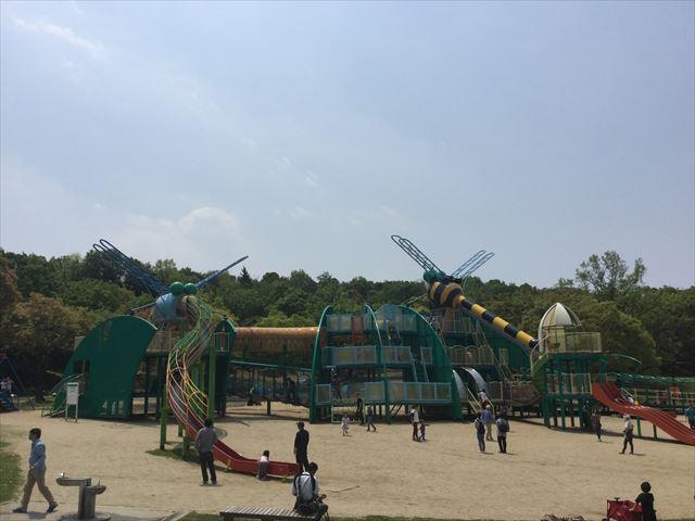 「蜻蛉池公園」の大型遊具