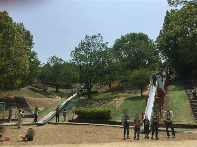 「蜻蛉池公園」ロング滑り台&ローラー滑り台
