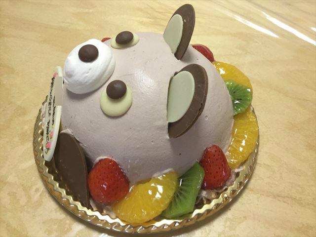 アンテノールのアニバーサリーケーキ「アニマルデコクマさんケーキ」横から撮影