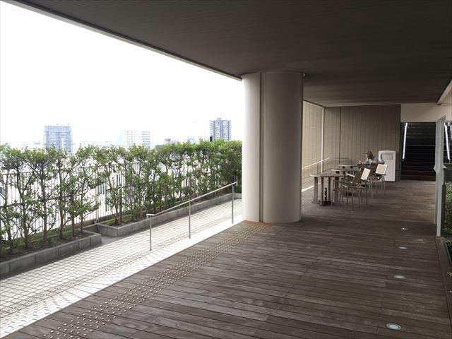 大丸心斎橋店北館屋上庭園、テーブル座席