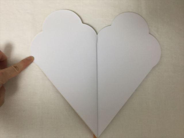 フライングタイガーコペンハーゲン、アイスクリームの形をしたノート、ノートを開いた様子