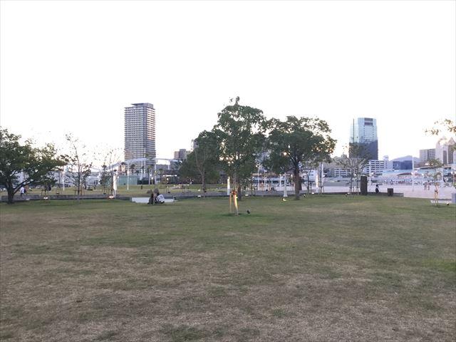 夕方のメリケンパークの様子