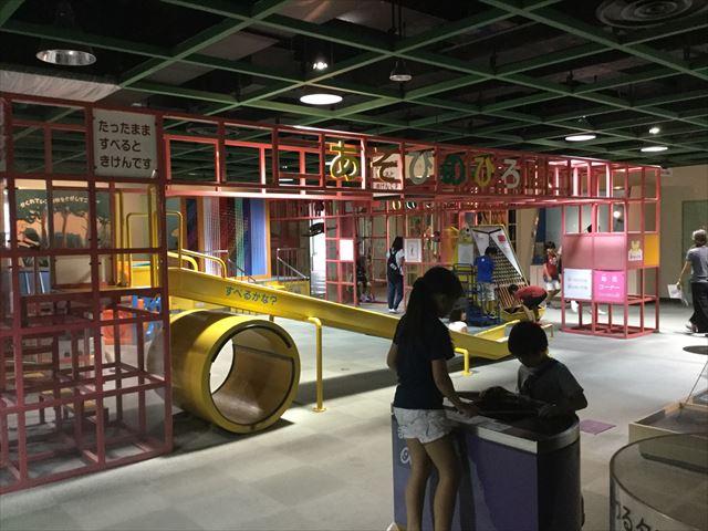 「バンドー神戸青少年科学館」1階「あそびのひろば」