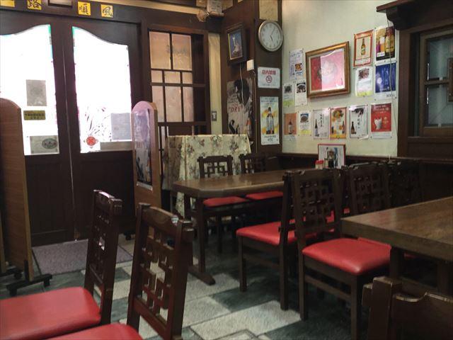 神戸南京町「民生」部屋の様子