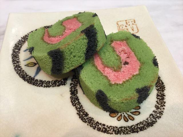 神戸南京町「民生」スイカの形をしたケーキ