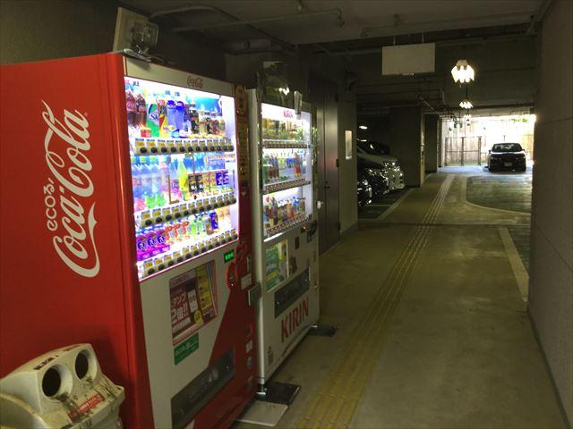 元浜緑地の駐車場内の様子