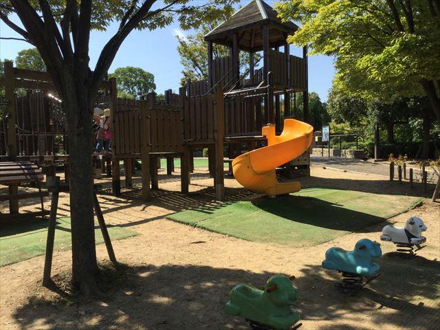 元浜緑地小さな子供向けの遊具