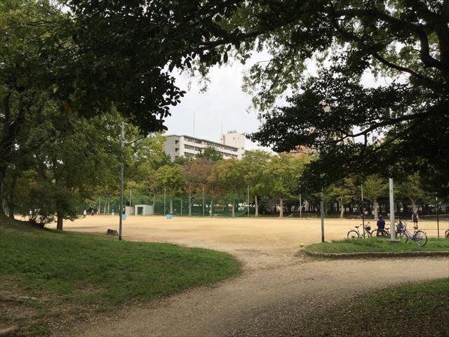 「住之江公園」ボール遊びができる児童広場