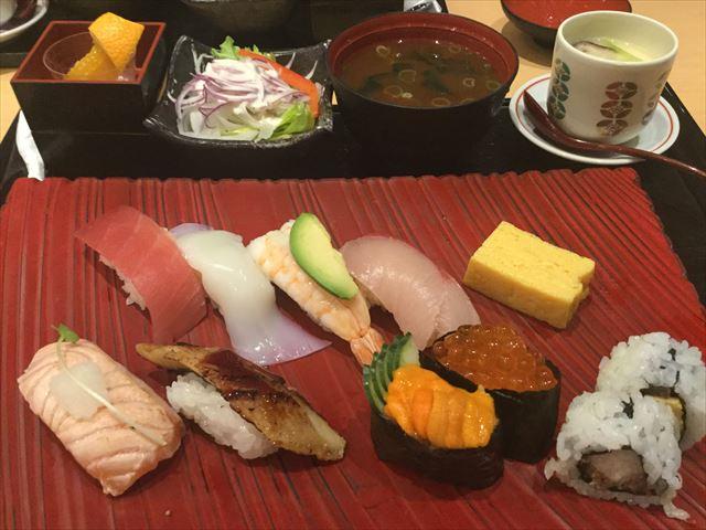 上本町YUFURA「廻転寿司CHOJIRO」寿司御膳「花ひとひら」