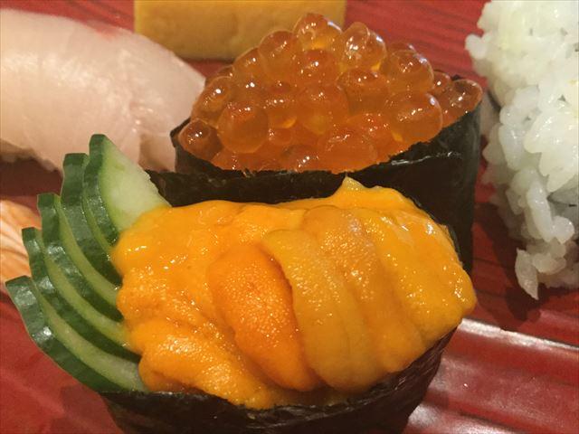 上本町YUFURA「廻転寿司CHOJIRO」寿司御膳「花ひとひら」のウニといくら