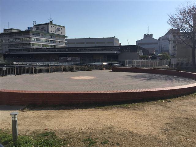 ハーバーランド公園、円形広場