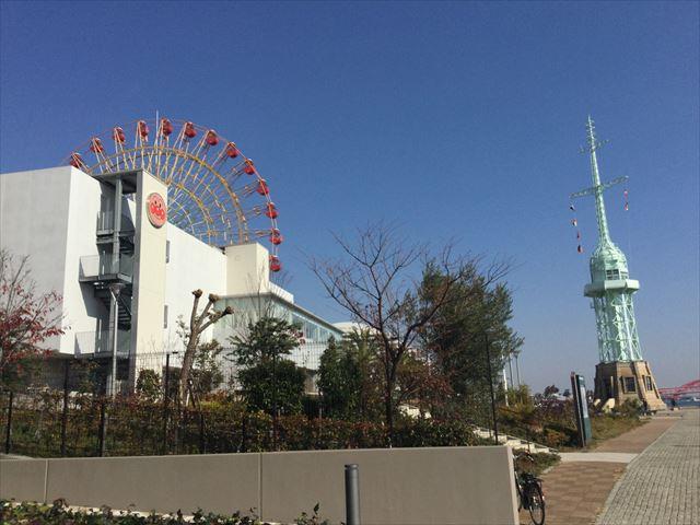 ハーバーランド、神戸アンパンマンミュージアムと観覧車、灯台