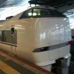 JR大阪駅を発車する特急サンダーバード