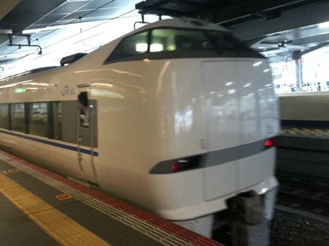 金沢 駅 から 大阪 駅 サンダーバード