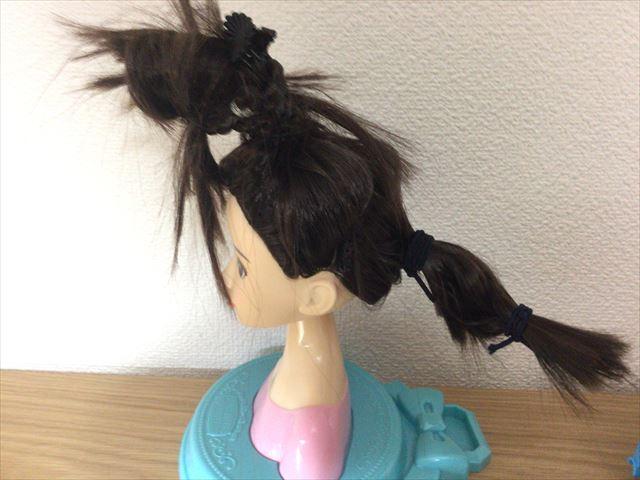 「ヘアメイクアーティスト・ショコラブラック」独特の髪型に仕上がった様子