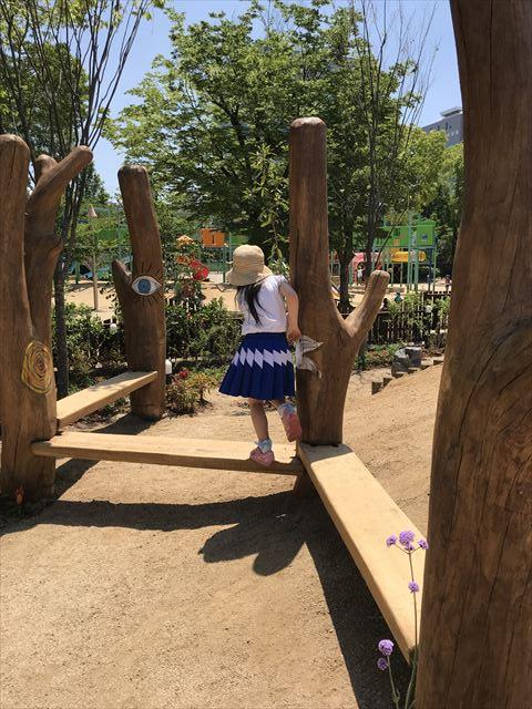 「ボーネルンドプレイヴィル大阪城公園」木製平均台