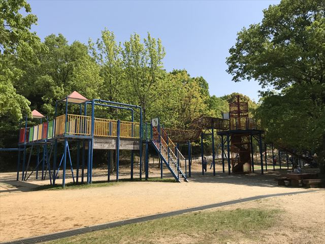 錦織公園「やんちゃの里」の「ちびっこ砦」