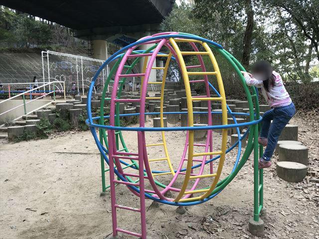 須磨離宮公園「児童公園」、丸いジャングルジム