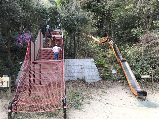 須磨離宮公園のアスレチック、ロング滑り台