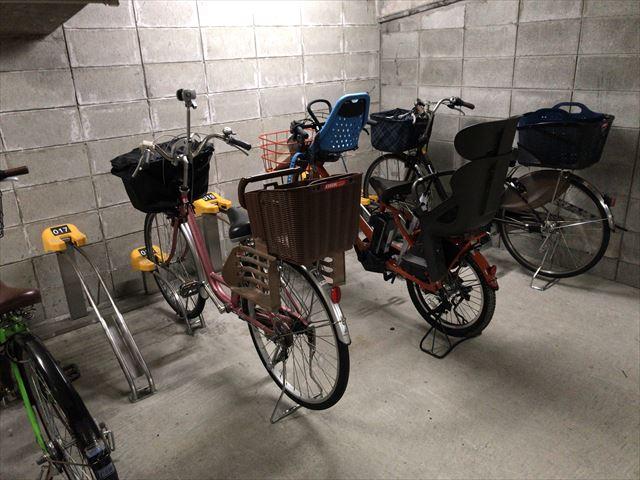 京阪電車高架下の駐輪場「エコステーション21」内の様子