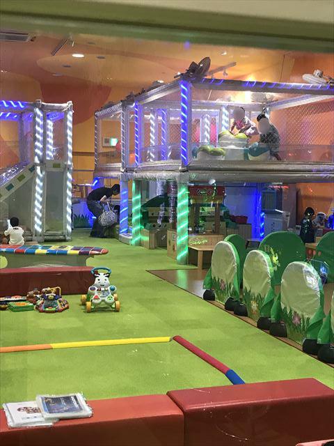 モーリーファンタジー「スキッズガーデン」静の遊び場、動の遊び場が区分けされている様子。