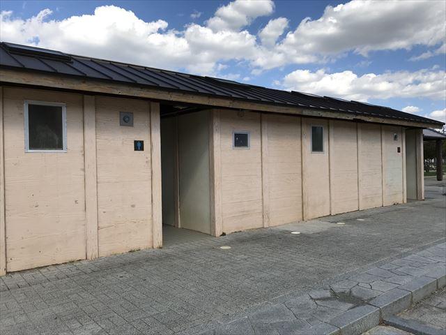 鳳公園のトイレ