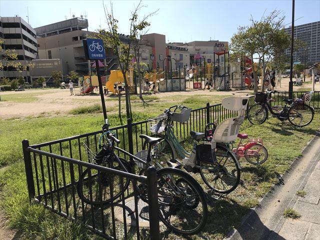 鳳公園の駐輪場