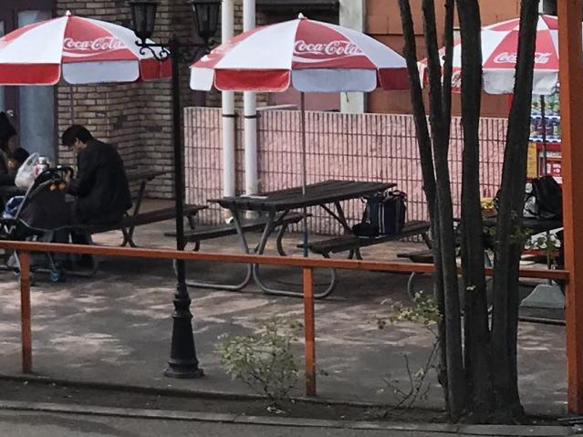 「ひらかたパーク」パラソル付きテーブル&椅子
