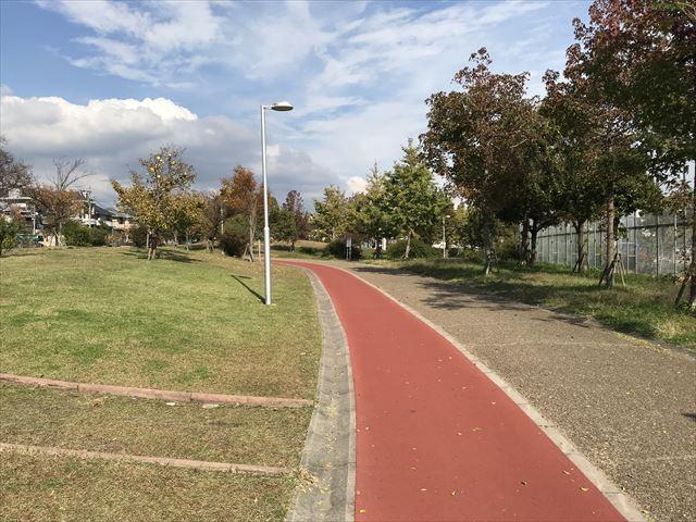 「西代蓮池公園」ウォーキング&ジョギングレーン